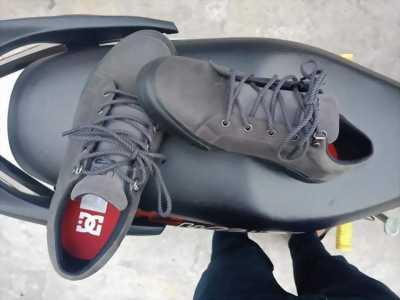 Giày D&G dư dùng không mang nên để rẻ