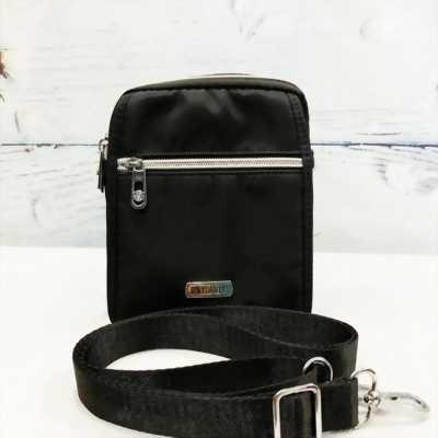 Túi đeo chéo vải dù chống nước màu đen phối dây kéo bạc sáng TDC0006