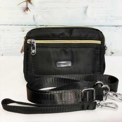 Túi đeo chéo form ngang màu đen phối dây kéo mạ vàng TDC0009