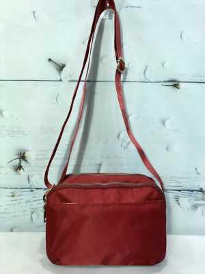 Túi đeo chéo form ngang màu đỏ đô trơn TDC0010