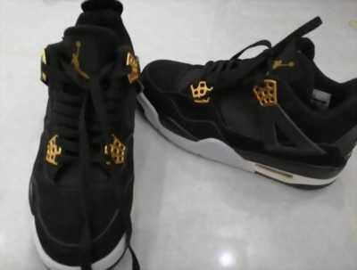 Đôi giày Nike Air Jordan 4 Royalty rep 1:1 (qua sử dụng 2 lần mang)