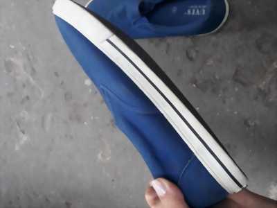 Giày Tuvi's chính hãng đã qua dử sụng.