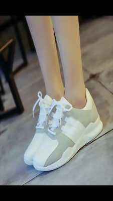 Giày thể thao mềm