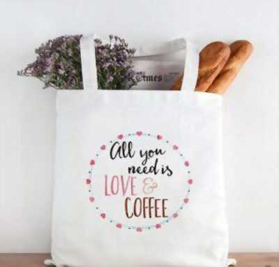 Sử dụng túi vải bố cho các quán trà sữa