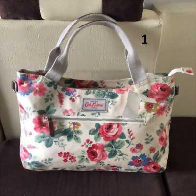 Túi đeo nữ có quai dài Cath Kidston 000415 ở Quận Bình Tân