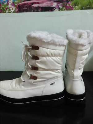Cần bán đôi giày Boots như hình của Caprice SIZE 40-41