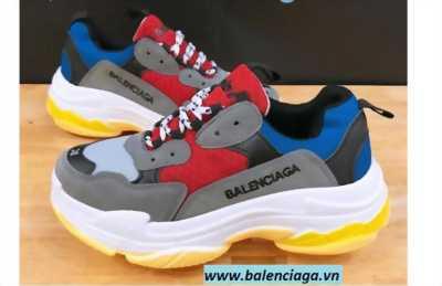 Giày Balenciaga triple S  nam nữ giá siêu rẻ chưa đến 300k