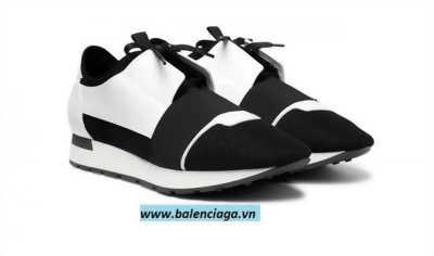 Giày Balenciaga Race runner black white cho cả nam và nữ