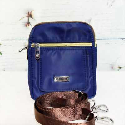 Túi đeo chéo kiểu đứng màu xanh navy dây kéo mạ vàng TDC0002