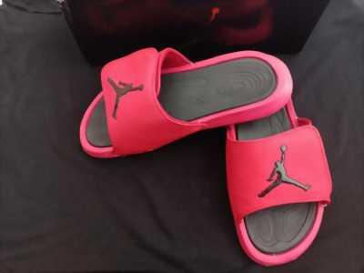 Dép Thời Trang Quai Ngang Jordan(đỏ)Size40-Tặng Hộp