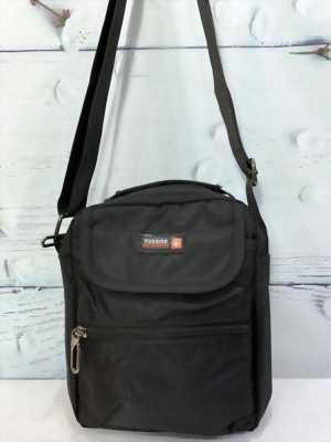 Túi đeo chéo màu đen nhiều ngăn cao cấp TDC0014