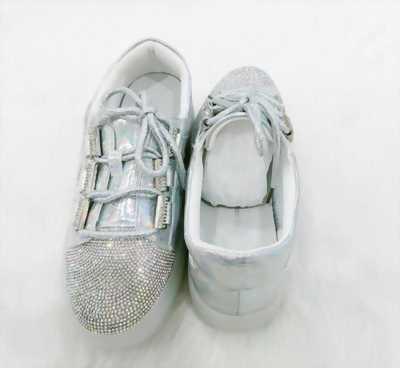 Giày sneaker nữ phủ lớp kim tuyến ánh bạc Mã 319-1