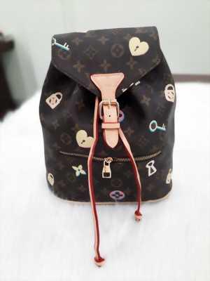 Ba lô mini kiểu túi xách hoa văn trái tim ổ khóa 1957-Den