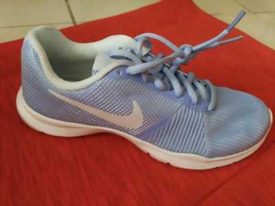 Nike Flex Bijoux size 6 Nữ