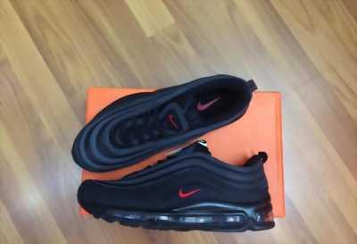 Giày Nike đinh thấp màu đỏ sọc xanh cũ no box