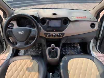 Bán xe Huyndai I10 sedan 1.2, số sàn, sản xuất 2018 màu trắng tinh