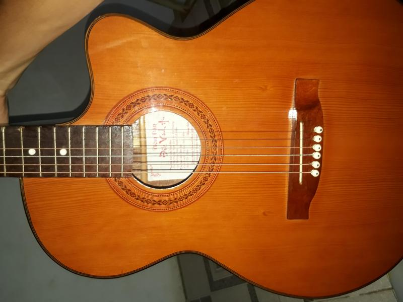 Guitar acoustic gỗ hồng đào