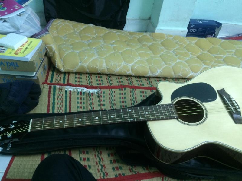Bán đàn guitar Hồng đào loại tốt