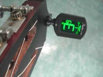 Tunner digital bộ lên dây guitar, ukelele