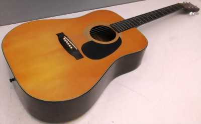 Guitar Acoustic YAMAKI F115