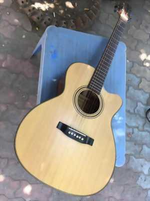 Mình cần bán đày Guitar, rất ít xài nên còn như mới