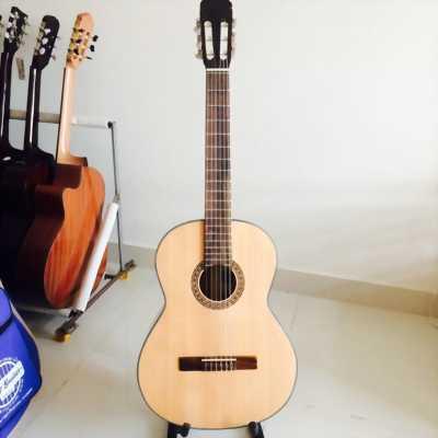 Bán đàn guitar classic đã sử dụng.