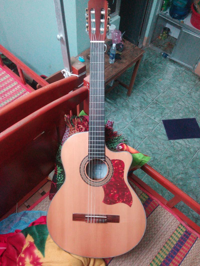 Bán đàn Guitar Classic