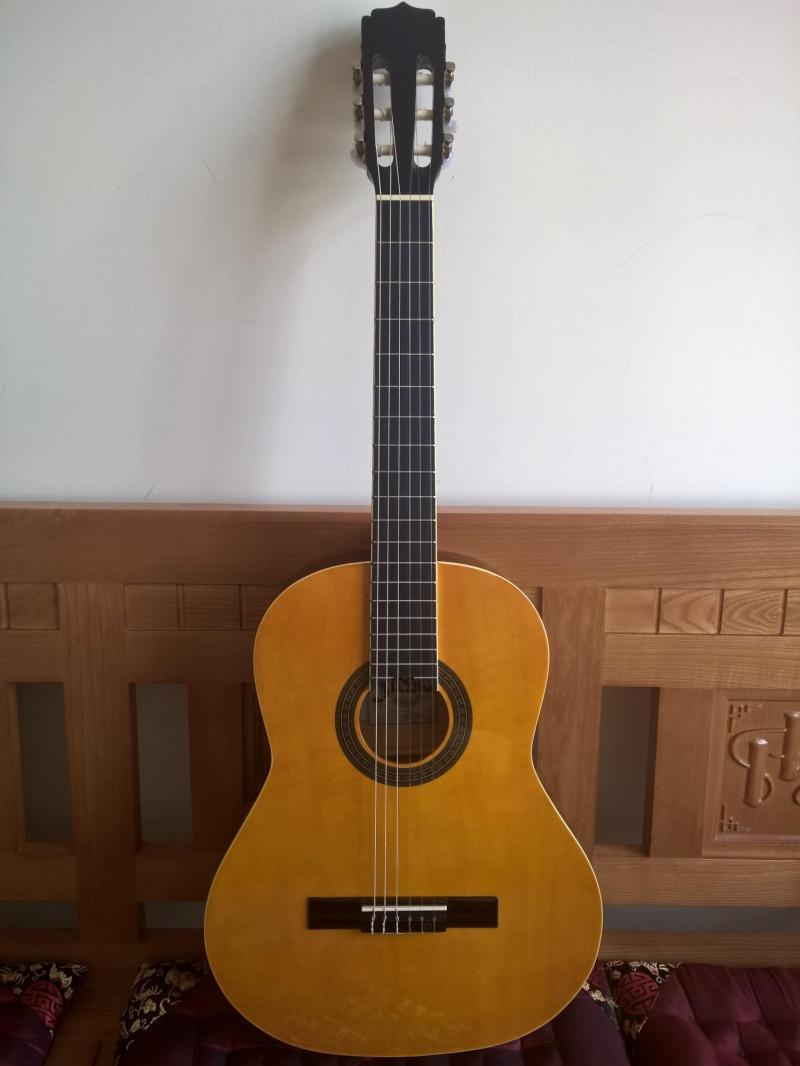 Đàn Guitar cũ giá rẻ