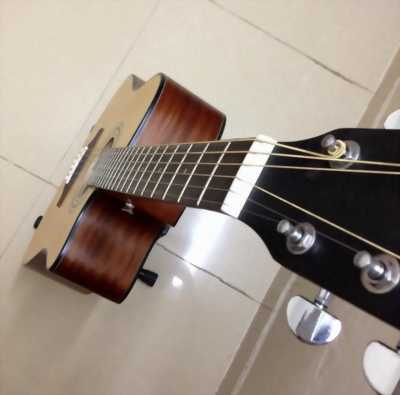 Bán đàn guitar Yamaha F450CN giá chỉ 2tr