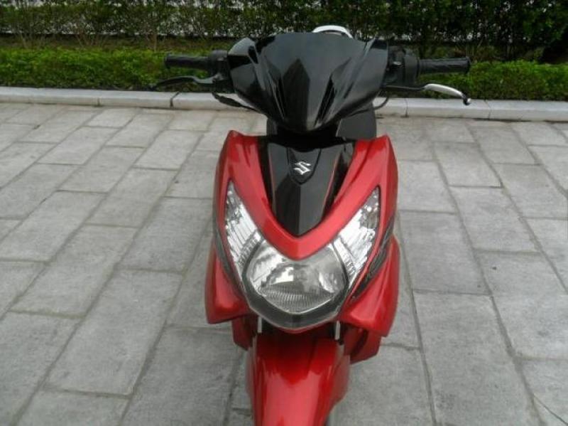 Vì một vài lý do riêng tư mà mình cần pass lại em xe Suzuki Hayate 125 màu đỏ - đen với giá phải chăng