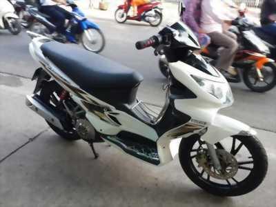 Cần pass lại em xe Hayate 125cc màu trắng, giá cực hợp túi tiền