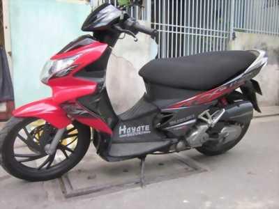 Bán lại em xe Suzuki Hayate mua. Xe rất tiết kiệm xăng.