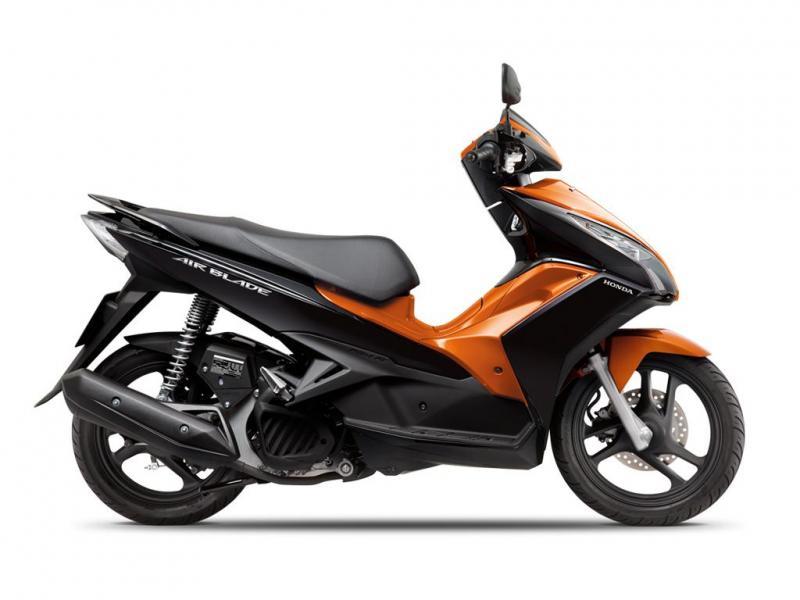 Giá phụ tùng xe máy Honda Air Blade đầu tháng 5/2017