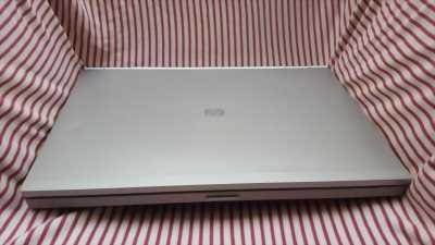 HP Elitebook 8560p -i7 2760QM, 4G, 320G, ATI HD 6470M 1G, full option