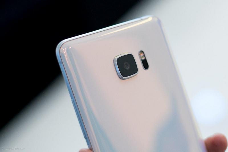 HTC U Ultra 4tr5