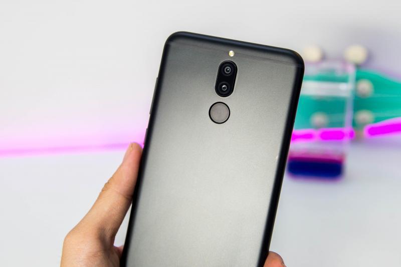 Huawei Nova 2i còn bảo hành