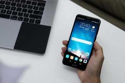 Huawei Nova 2i cần giao lưu cao hơn bù tiền.