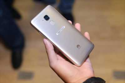 Huawei nova 2i đẹp 99% chính hảng tgdd còn bh dài.