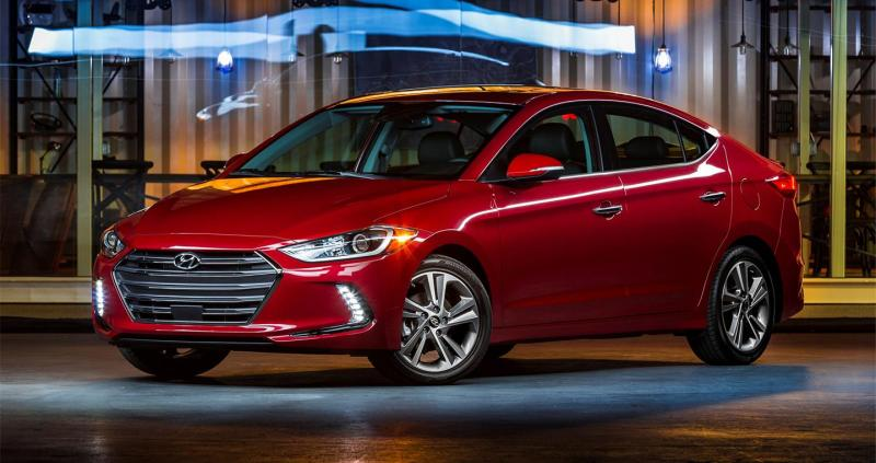 Tham khảo các đánh giá xe Hyundai Elantra từ góc nhìn chung nhất của người tiêu dùng