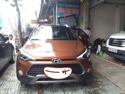 Bán Hyundai i20, màu nâu, xe còn đẹp, hỗ trợ khi mua qua ngân hàng