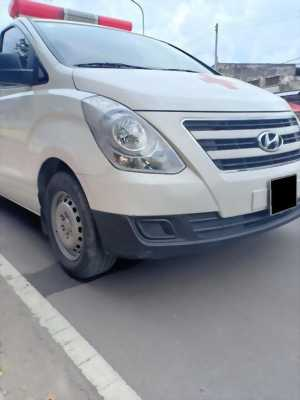 Cần bán Hyundai Starex tại Gò Vấp, máy dầu 2.4L