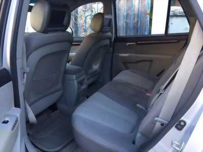 Gia đình cần bán xe Santafe 2009, số sàn, máy xăng, màu bạc, gia đình sử dụng