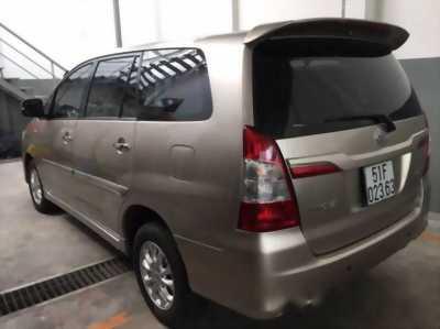 Toyota Innova 2017 Số sàn - màu nâu - giao ngay.