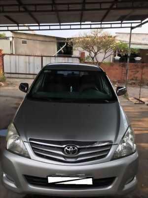 Gia đình cần bán xe Toyota innova 2008, số sàn