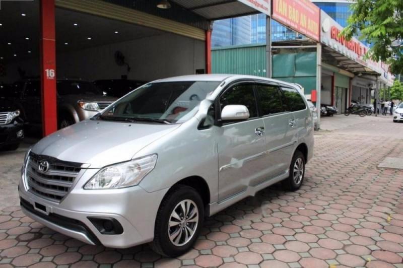 Toyota Innova E2.0 2016 Số sàn