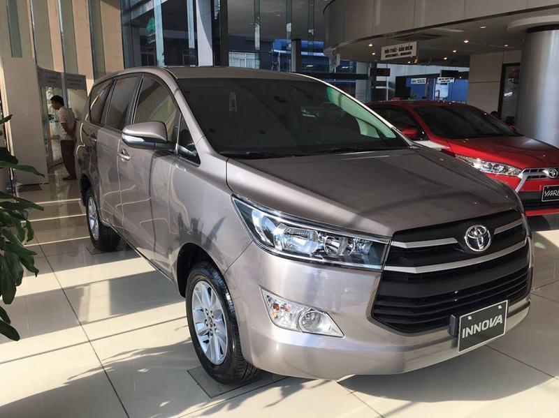 Bán xe ô tô Toyota Innova 2.0E 2018 giá 743 Triệu