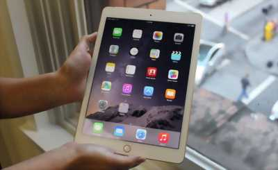 Mình cần bán Apple iPad Wi-Fi + Cellular 32GB Gold (gen5)