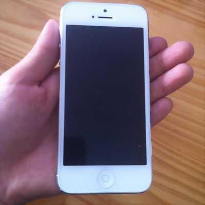 Apple Iphone 5 Trắng 32 GB zin xà beng