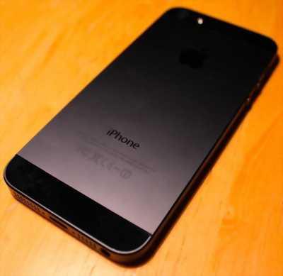 Bán điện thoại iphone 5.