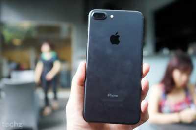 Cần bán iphone 7 plus 32g màu đen quận